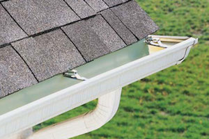 gutter eavestrough cleaning